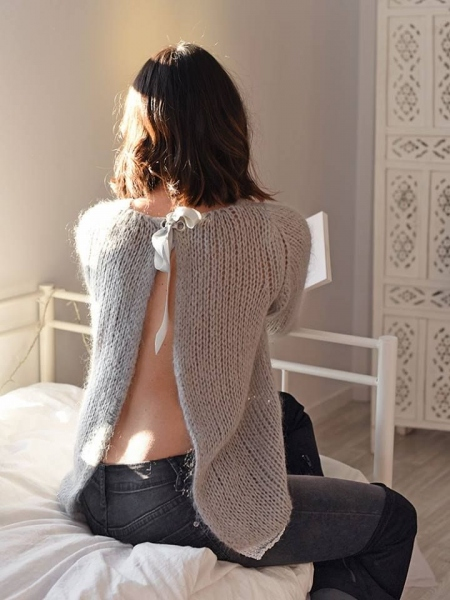 KENDRA BOW SWEATER