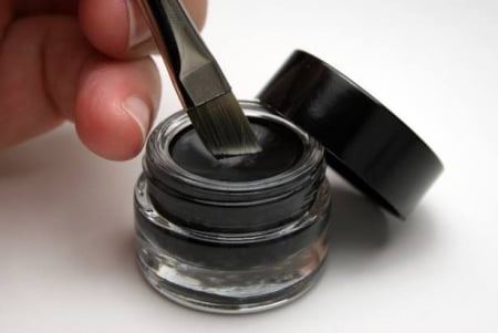 TECHNIC BLACK GEL EYELINER & BRUSH