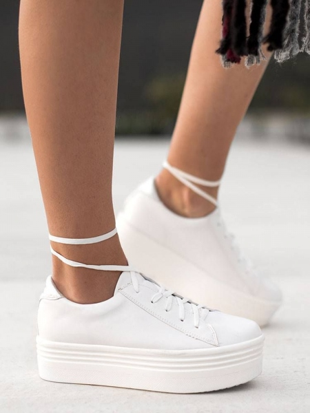BASIC WHITE FLATFORMS