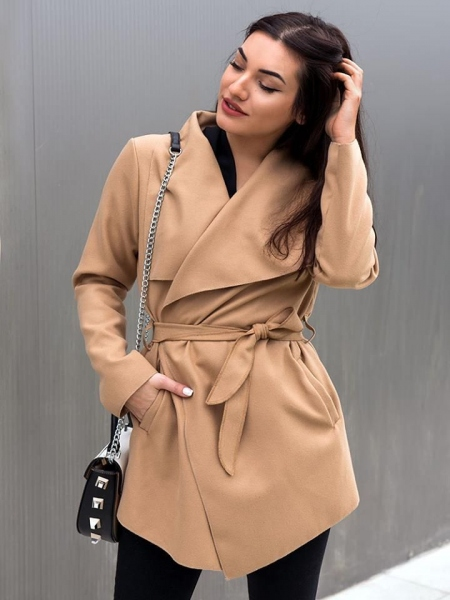 CAMEL SHORT WOOL COAT