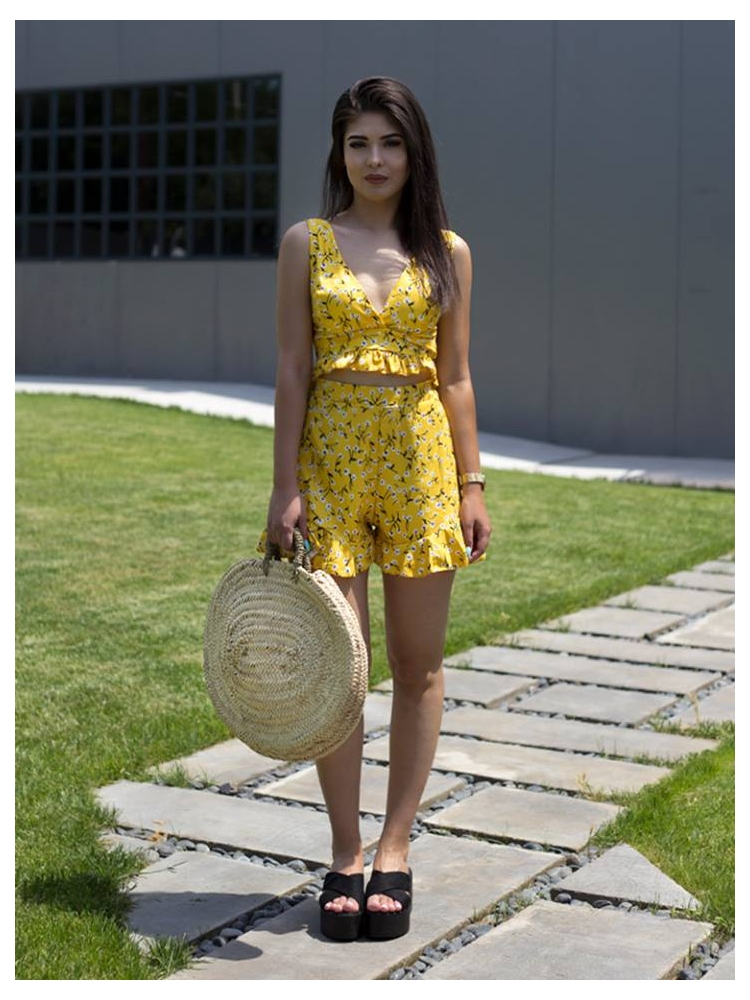 https://www.fashionroom.gr/25558-home_default/carlita-yellow-set.jpg