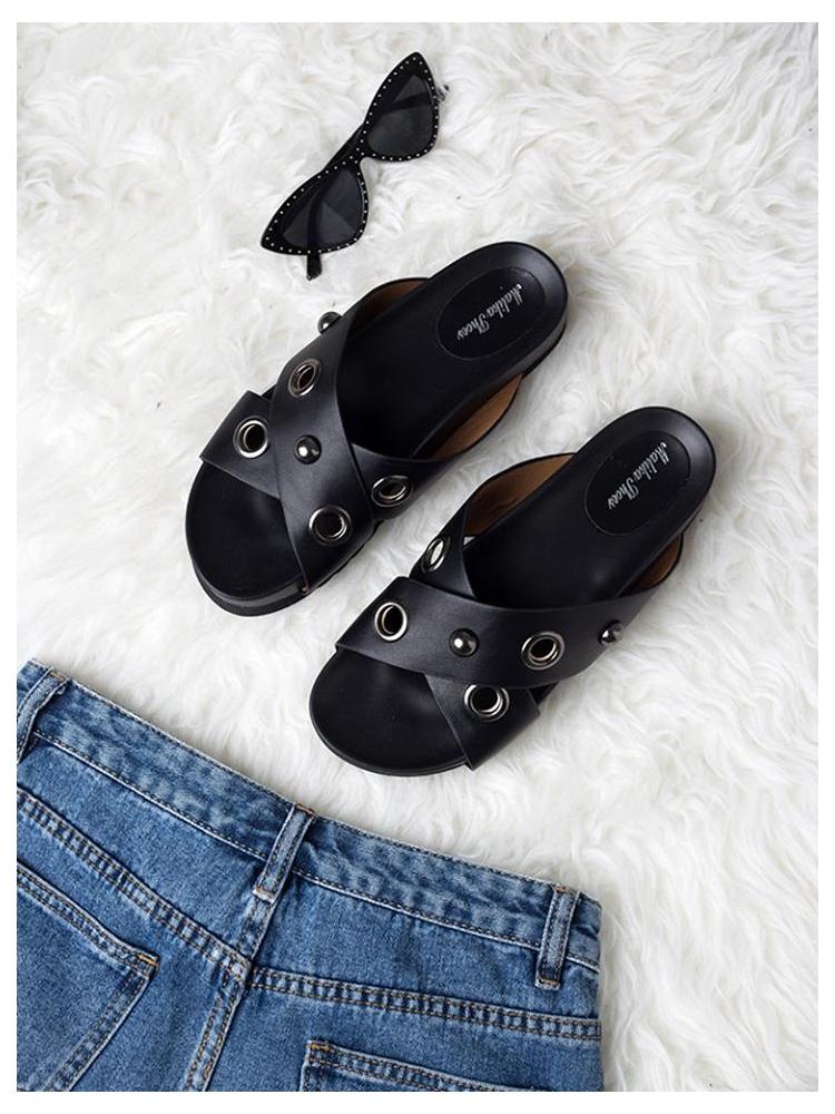 FRIDA BLACK SLIPPERS