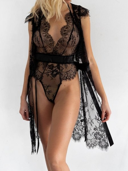 MORENA BLACK LACE BODYSUIT SET