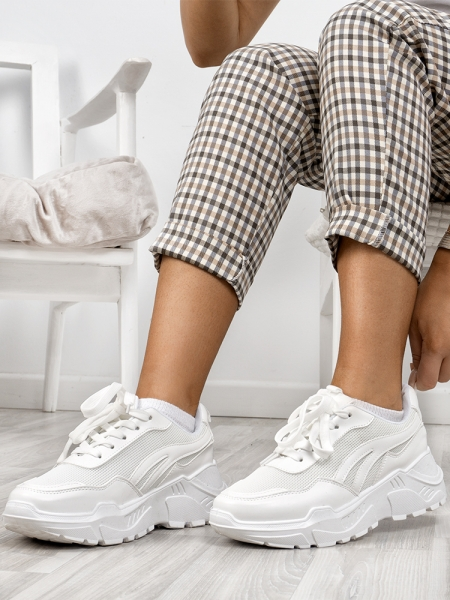 FLY WHITE SNEAKERS