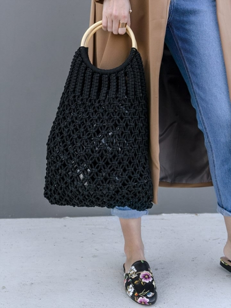 HAPPY BLACK KNITTED HANDBAG
