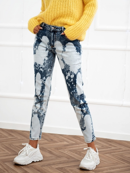 BLEACH WASHED MOM FIT JEANS