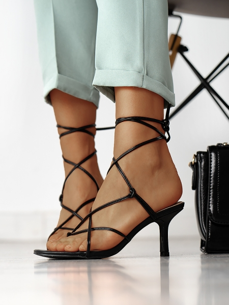 SAVANNAH BLACK SANDALS