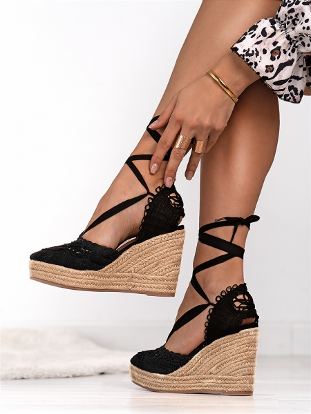 FREEDA BLACK PLATFORM