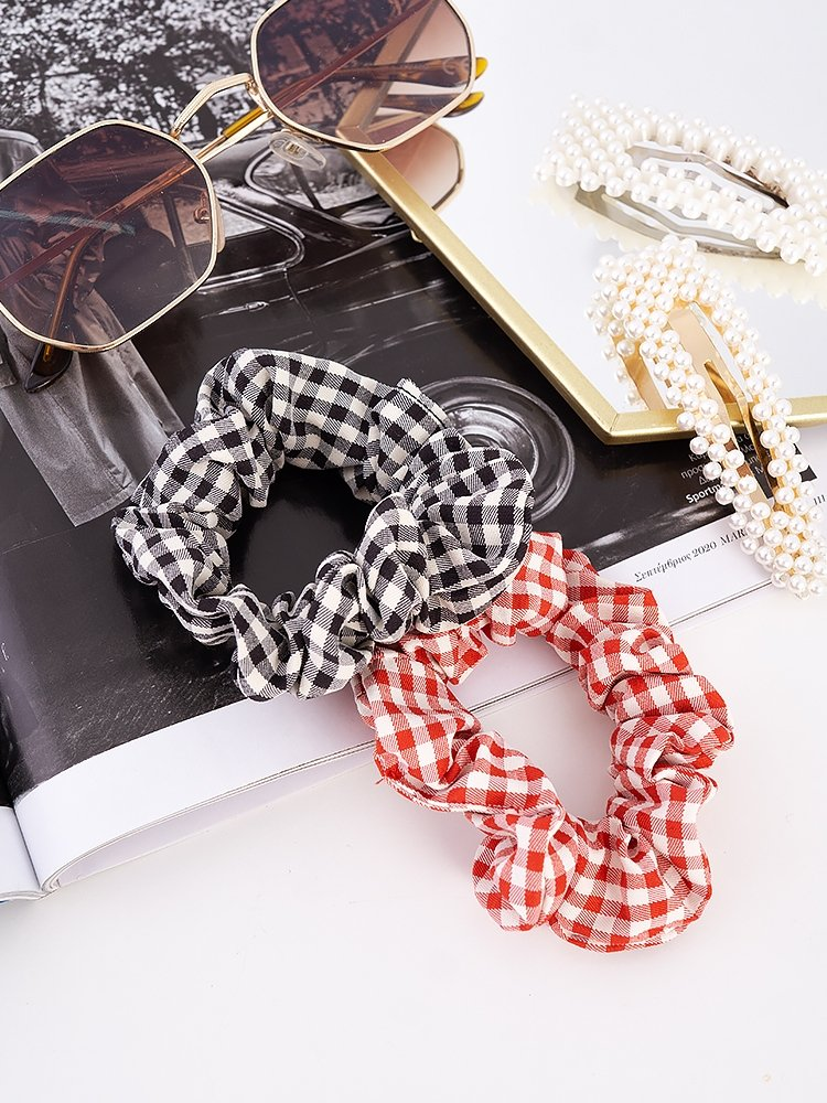 CHECKED   SCRUNCHIES SET OF 2