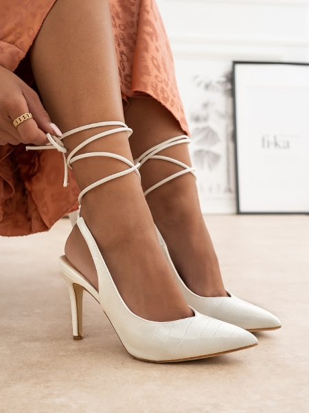 MALOU WHITE PUMPS