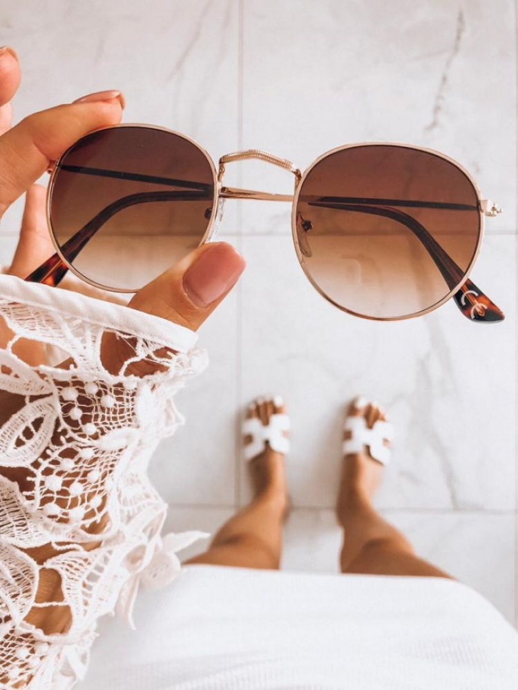 NASIA BROWN SUNNIES