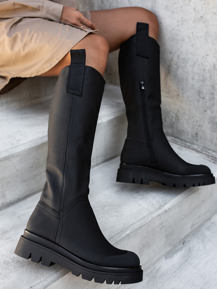 TRENTO MATTE BLACK BOOTS