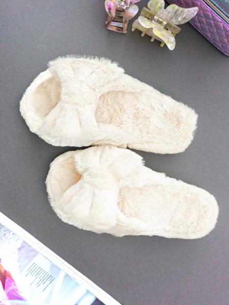 EVALIA WHITE FUR SLIPPERS